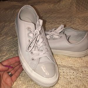 Converse 7.5 leather/patent leather low grey
